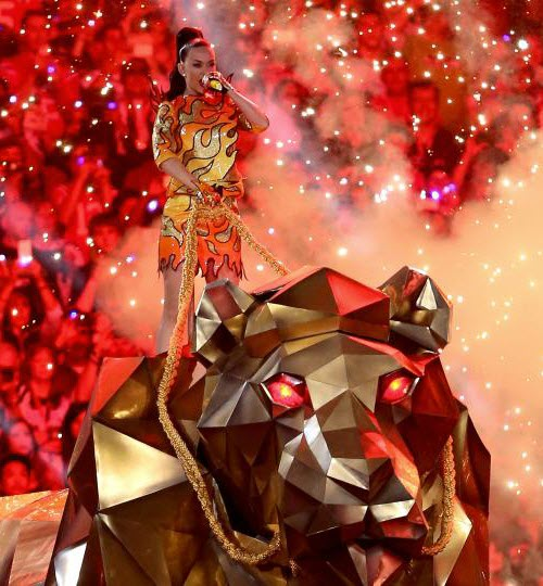Katy Perry as Priestess of Ishtar