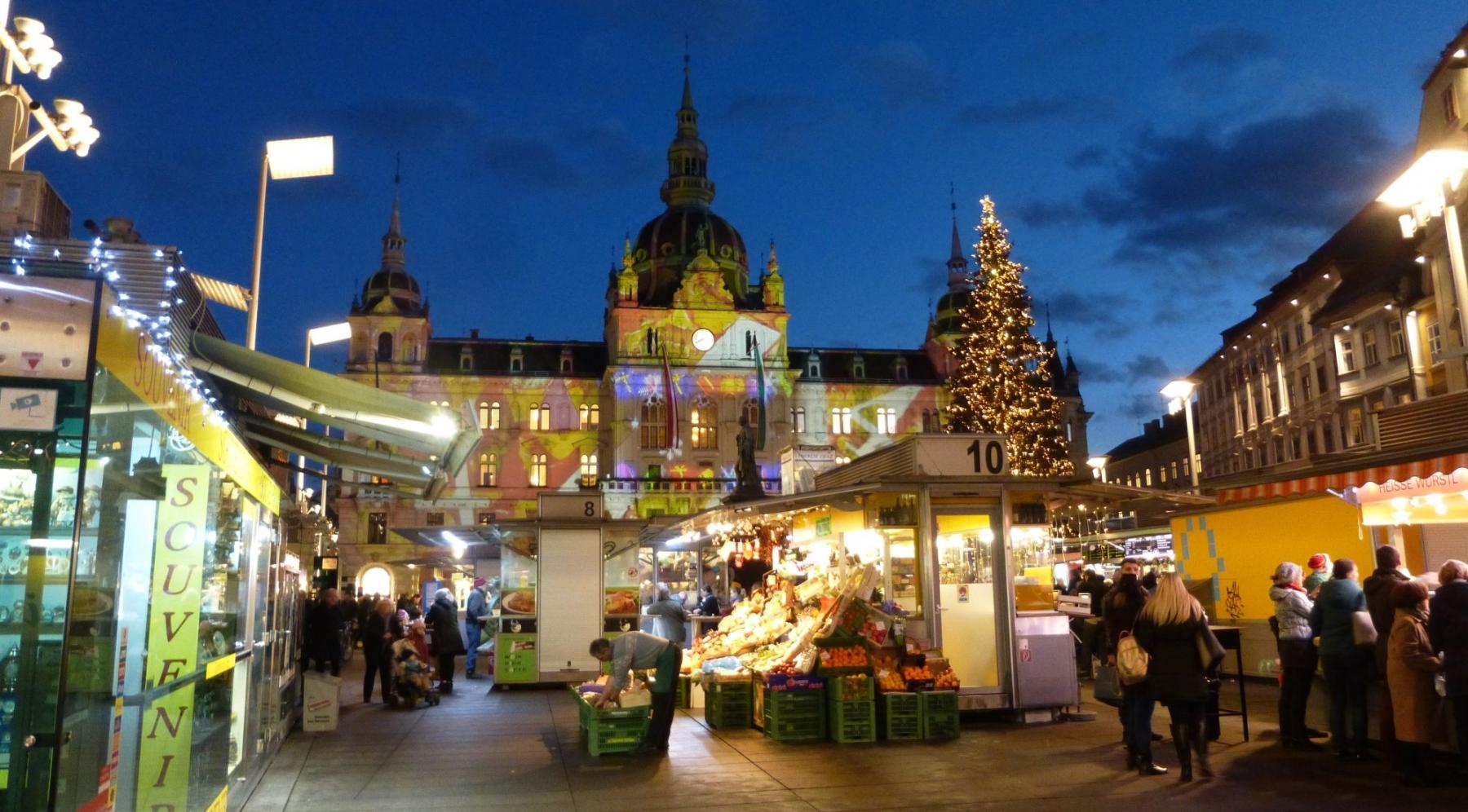 City Hall lit up for Christmas